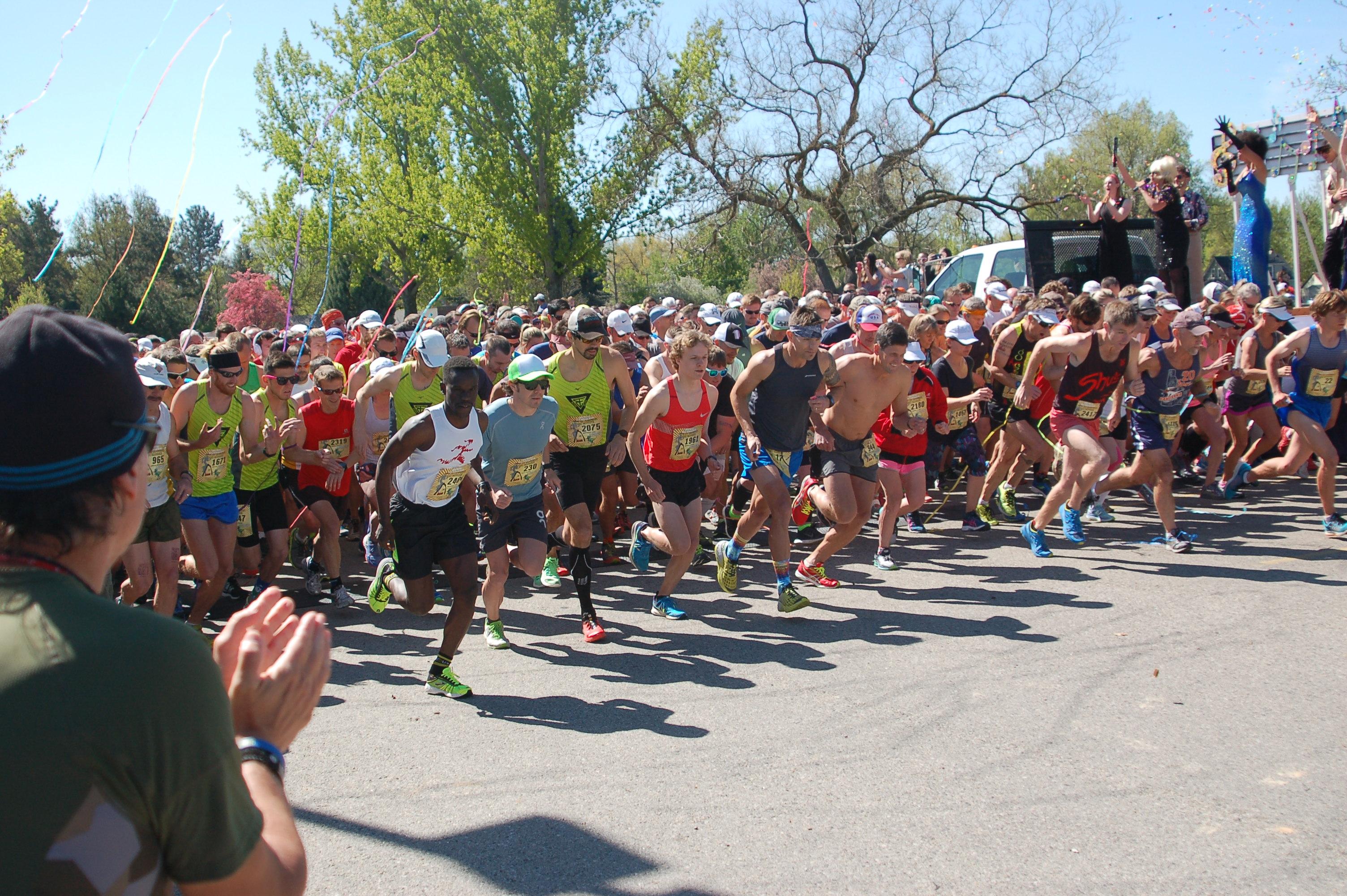 2016 Race to Robie Creek - Starting Take Off