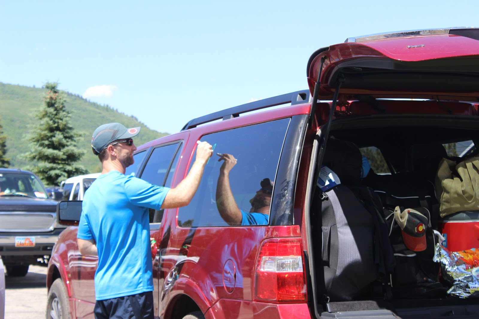 2016 Ragnar Wasatch Back - Decorating the Car